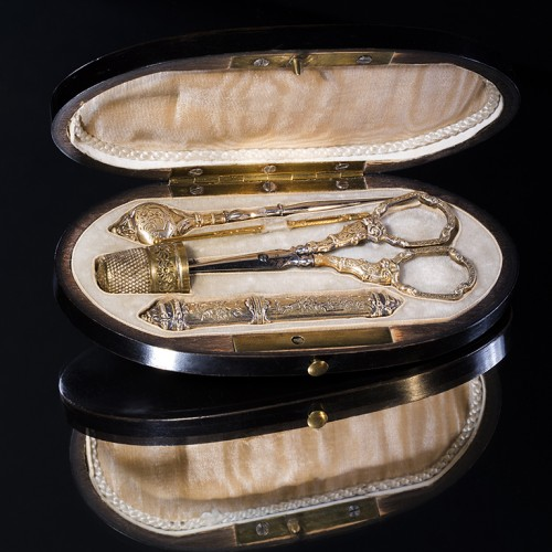 « Ebony and Gilt » French Sewing kit of the 19th Century - Private collection